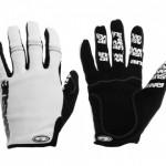 answer_glove_white